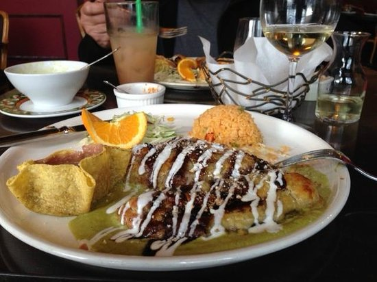 Frida's - Anacortes: Stuffed pablano pepper, wrapped in puff pastry; simply fantastic