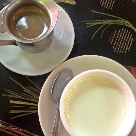 Puerto Sagua : Cafe con Leche... I've had way better