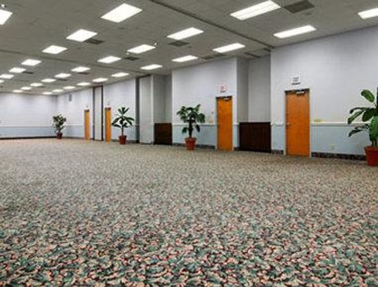 Days Inn & Suites Navarre Conference Center: Meeting Room