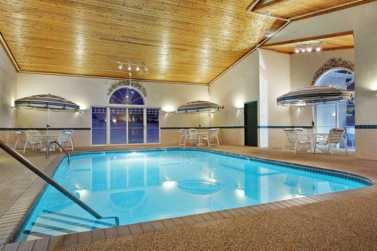Country Inn & Suites By Carlson, Dubuque: CountryInn&Suites Dubuque  Pool
