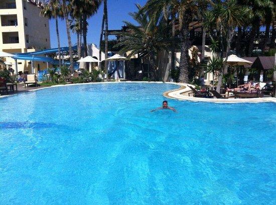 Hotel Paradis Palace : Piscina e acquascivolo.
