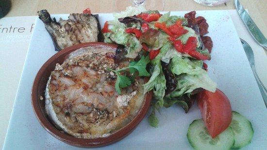 L'Entre Potes : Camembert rôti aux pommes flambée au calvados