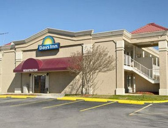 Photo of Days Inn Greensboro Airport Colfax