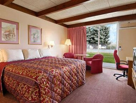 Days Inn Niles: Standard King Bed Room