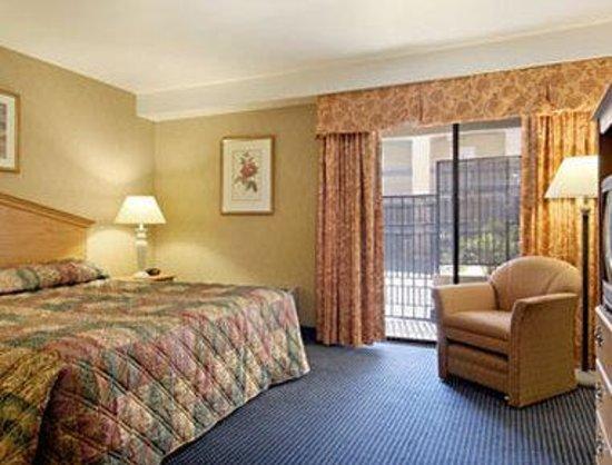 Days Inn & Suites Artesia: Standard King Bed Room
