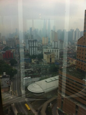 Seri Pacific Hotel Kuala Lumpur: View from one of the lifts