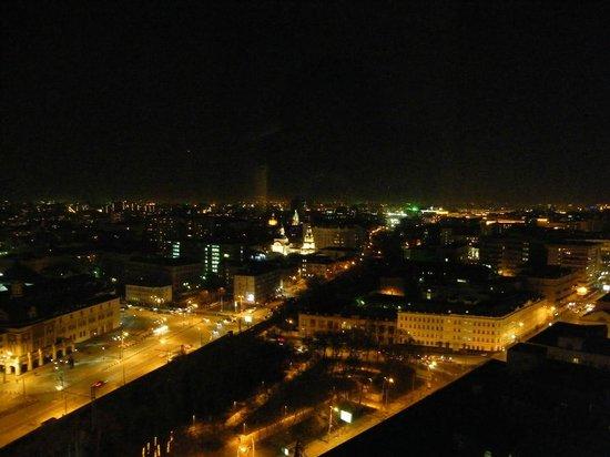 Hilton Moscow Leningradskaya: views from room at night...