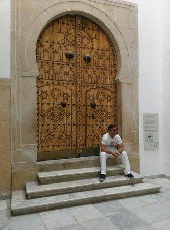 Musée National du Bardo : Porta tipica tunisina