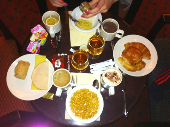 Disney's Hotel New York: Petit-déjeuner