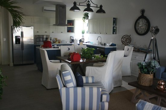 Vallarta Gardens, A Boutique Private Residence Club: Living Room and Kitchen