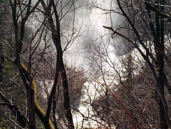 Parc de la Falaise et la Chute Kabir Kouba: Mist from Chute Kabir Kouba