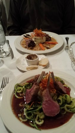Evan's American Gourmet Cafe : Rack of lamb and veal loin medallions