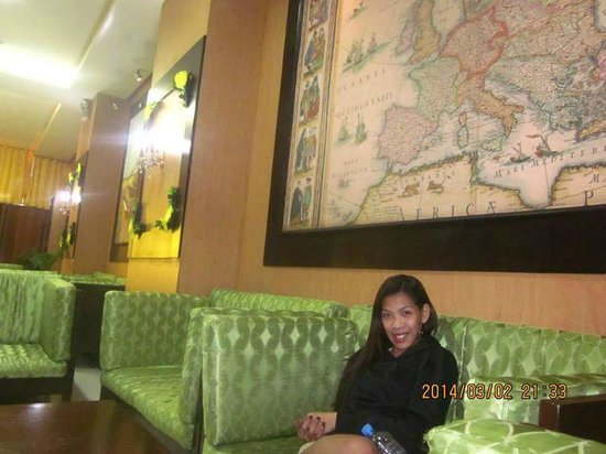 Eurotel Baguio: at the lobby.. waiting for our room to be clean