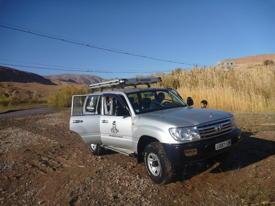 Sahara Atlas Tours -Day Tours : A very clean Land Cruiser after our drive through the river! With Sahara Atlas Tours.