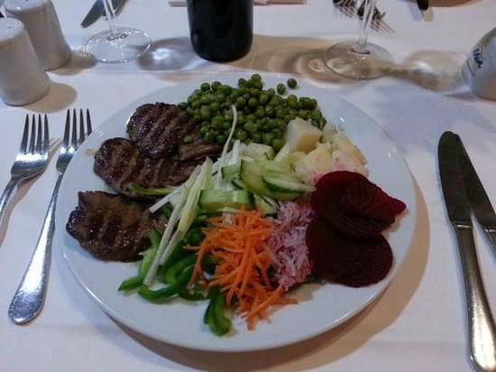 Hotel Neptuno Gran Canaria: Steak cooked to order in front of you. One of the many lovely meals.