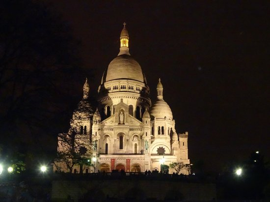 Basilique du Sacré-Cœur de Montmartre : bazylika nocą