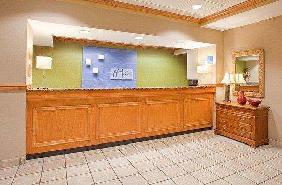 Holiday Inn Express Hotel & Suites Norfolk: Make Holiday Inn Express your stop in Norfolk