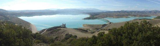 Senise, Italie : vista sul lago