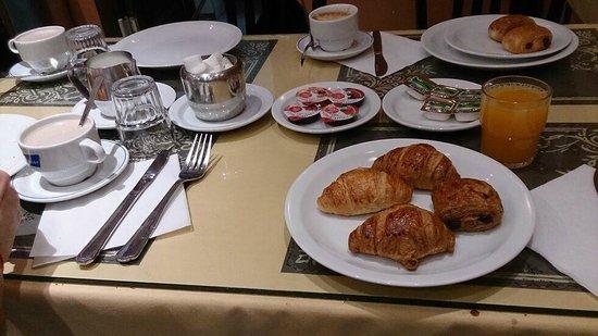 Hotel Continental: Desayuno