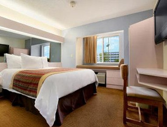 Photo of Microtel Inn & Suites by Wyndham Kansas City Airport