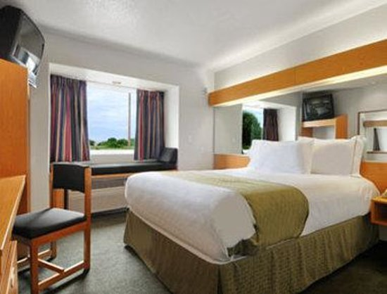 Microtel Inn & Suites by Wyndham Ardmore: Queen Room