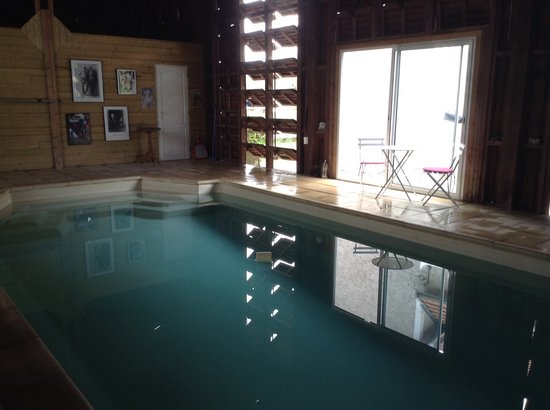 Les Rosiers - Lascaux: Indoor heated pool open June-Oct