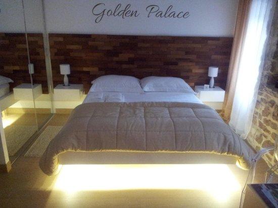 Golden Palace Split: Bedroom