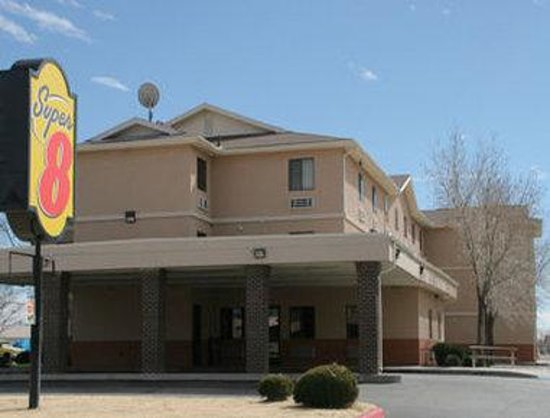 Super 8 Albuquerque West/Coors Blvd: Welcome To The Super 8 Albuquerque West/ Coors Blvd