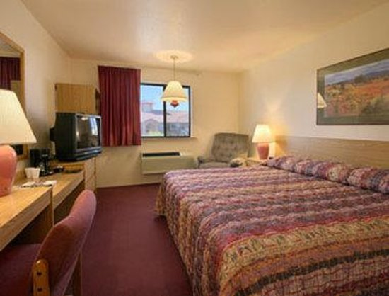 Super 8 Albuquerque West/Coors Blvd: Standard King Bed Room
