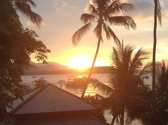 Villa Tanamera: Sonnenuntergang von der Dachterassse