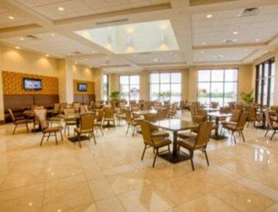 Ramada Plaza Resort and Suites Orlando International Drive: Breakfast Lounge