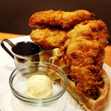 Fired Up Bar-B-Que: Chicken n Waffles