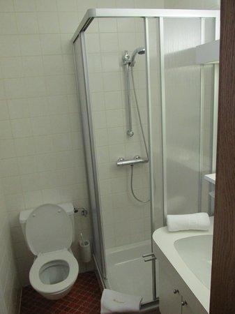 Hotel Felsenhof : Clean Bathrooms