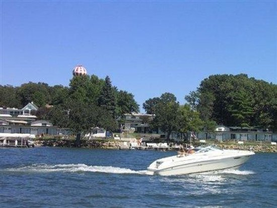 Inn at Okoboji: Boatingat The Inn