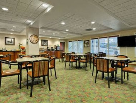 Wingate by Wyndham Missoula Airport: Breakfast Area