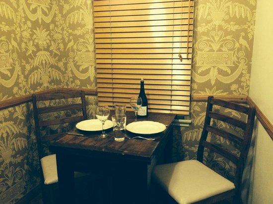 Harbor House Inn: Mesa de jantar