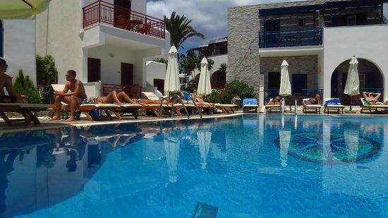 Hotel Katerina: swimming pool