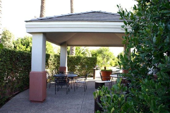 Candlewood Suites Orange County/Airport : Gazebo