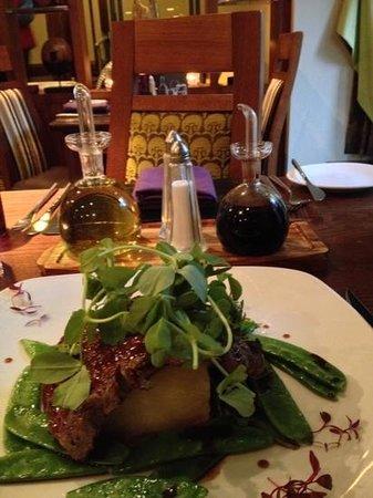 Kimberley Hotel: dinner at Signatures