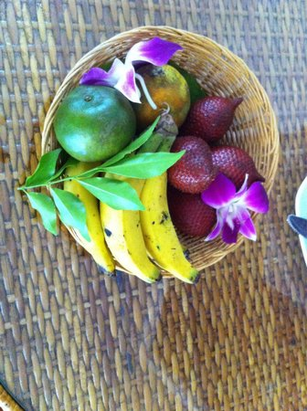 Phi Phi Island Village Beach Resort : Fruta de boas vindas.