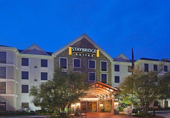 Staybridge Suites Eastchase Montgomery: Hotel Exterior