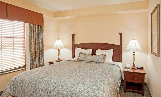 Staybridge Suites Eastchase Montgomery: Two Bedroom Suite, King Bedroom