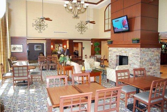 Staybridge Suites Eastchase Montgomery: Hotel Lobby Great Room