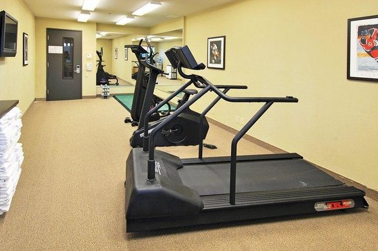 Holiday Inn Express Quebec City (Sainte-Foy): Ready to use fitness equipment