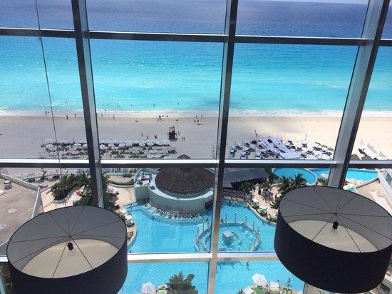 ME Cancun: 11th floor