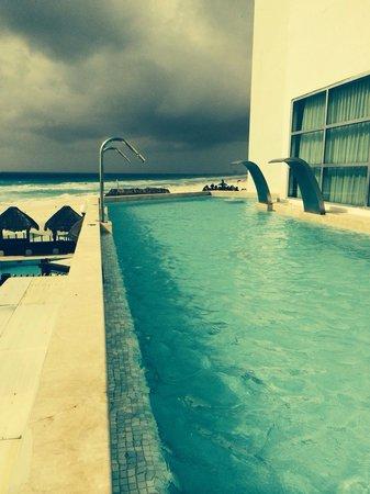 ME Cancun: Spa pool
