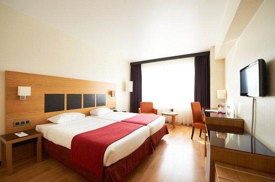 Husa President Park : Standard Twin Room