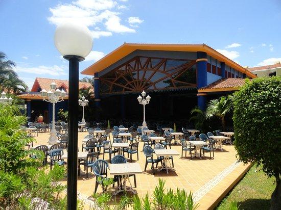 Hotel Riu Playacar: El teatro
