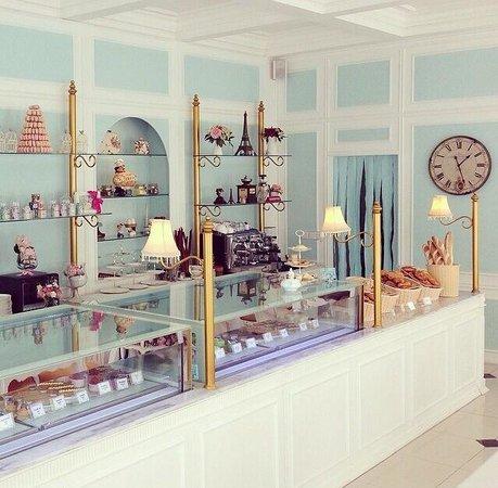 Angelita tea salon and patisserie kerobokan restaurant for Salon patisserie