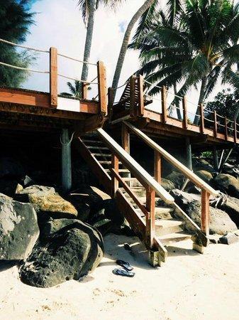 Muri Beachcomber: The stairs to the beach!